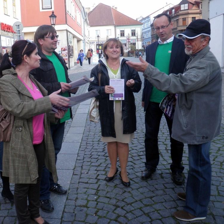 Obrázek kčlánku Volební kampaň vPísku